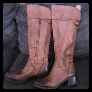 Vince Caputo size 9 over knee tan leather boots